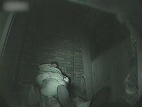 闇の仕掛け人無修正版 路地裏に隠れた熱愛カップル3 サンプル 無料 動画 画像